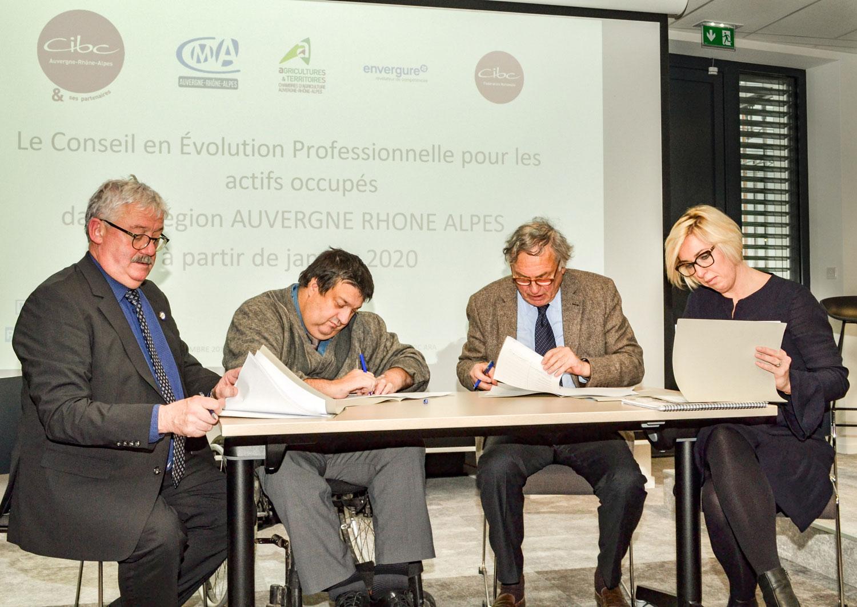 CEP signature convention Conseil Evolution Professionnelle en Auvergne-Rhône-Alpes